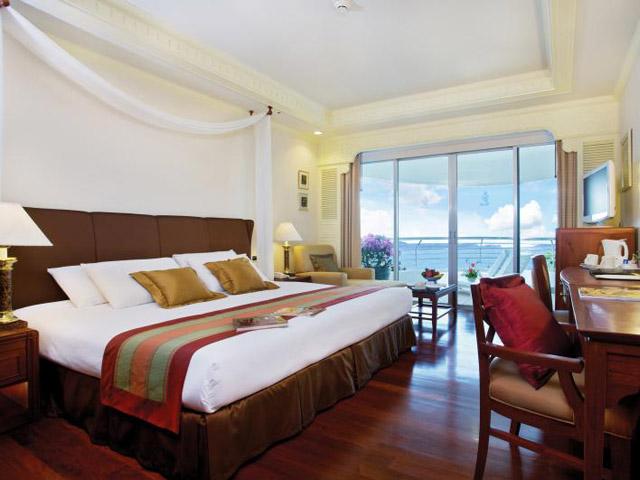 Royal Cliff Grand Hotel & Spa: Grand Club Sea View