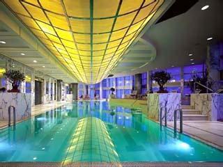 Grand Hyatt ShanghaiIndoor Swimming Pool