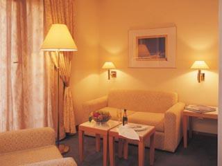 The Golden Age of AthensJunior Suite