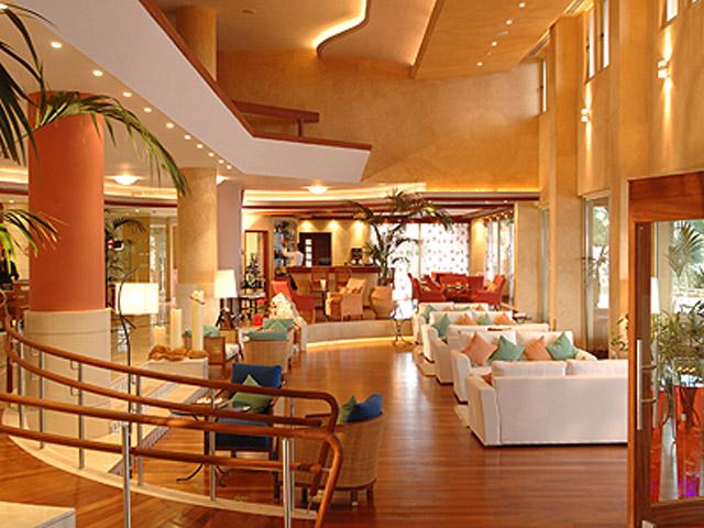 Thalassa Boutique Hotel & Spa: Captain Brnw