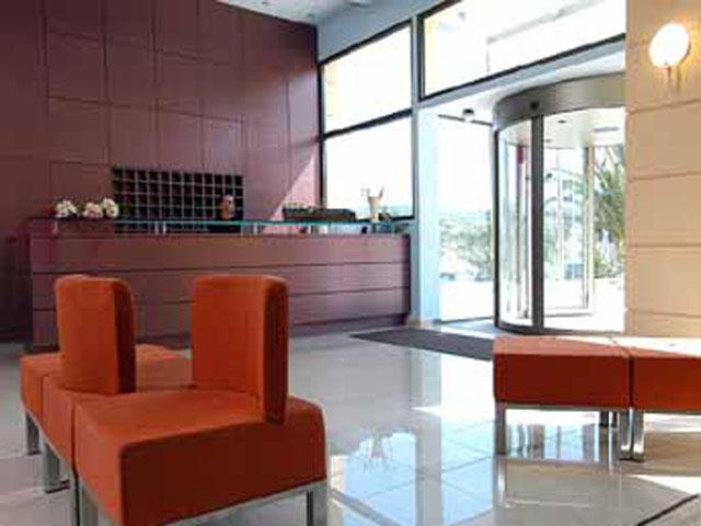 Avra Hotel RafinaReception