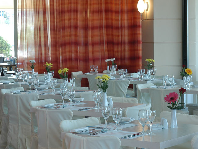 Avra Hotel RafinaRestaurant