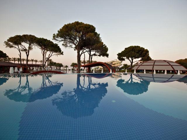 Cornelia De Luxe Resort: Pool Area