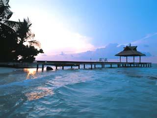 Banyan Tree Maldives VabbinfaruSunset Jetty