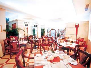 Al Rawda Rotana SuitesRestaurant