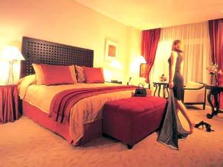 Beach Rotana Hotel & Towers: Room