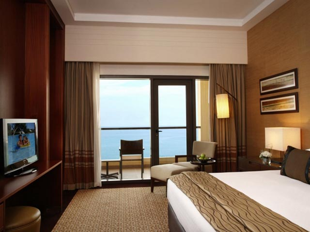 Amwaj Rotana Jumeirah Resort