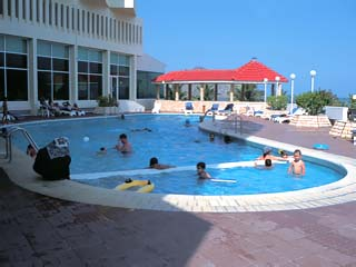 Oceanic Resort & Spa: Swimming Pool