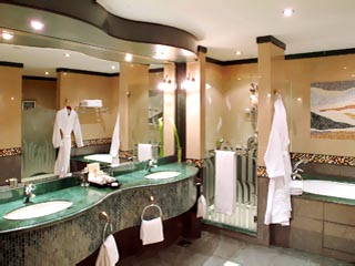 Grand Hyatt DubaiBathroom