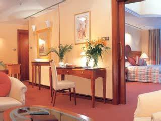 Le Meridien Mina Seyahi Beach Resort and MarinaDeluxe Suite