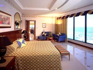 Le Meridien Mina Seyahi Beach Resort and MarinaRoyal Suite