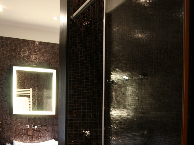 Ca Maria Adele - La Sala Noir Bathroom