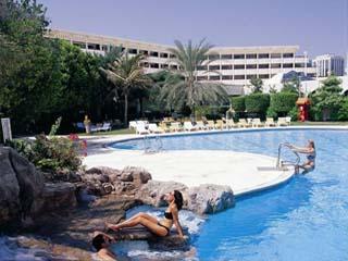 Le Meridien Abu DhabiSwimming Pool