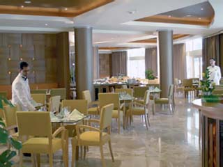 Le Royal Meridien Abu DhabiL' Opera Restaurant