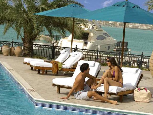 Hilton Ras Al Khaimah Hotel - Pool Area