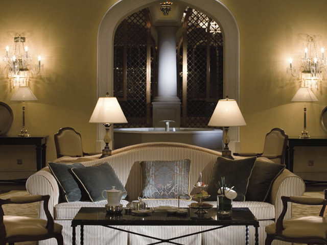 The Ritz Carlton Dubai - Living Room