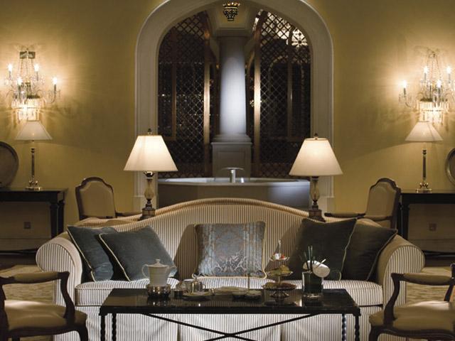 The Ritz Carlton Dubai - Living Room