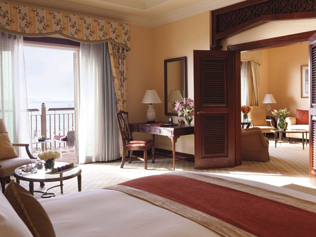 The Ritz Carlton Dubai - Bedroom