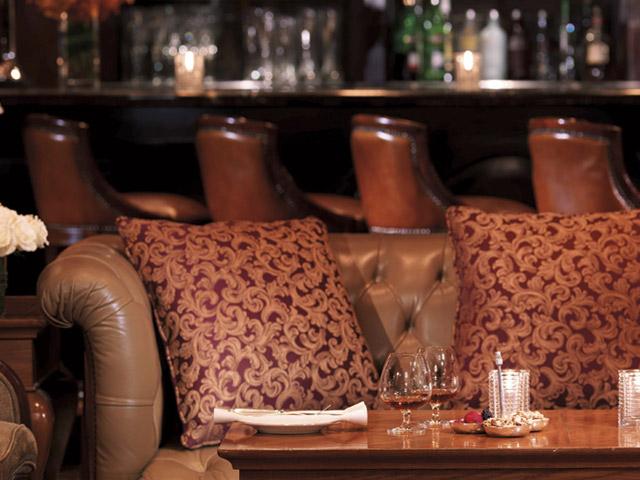 The Ritz Carlton Dubai - Bar