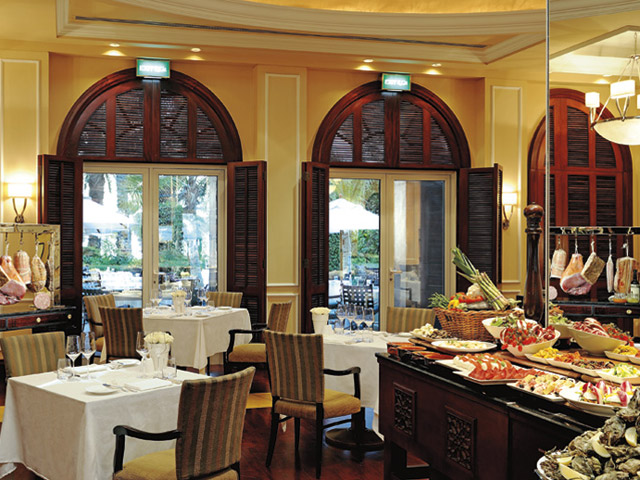 The Ritz Carlton Dubai - Restaurant