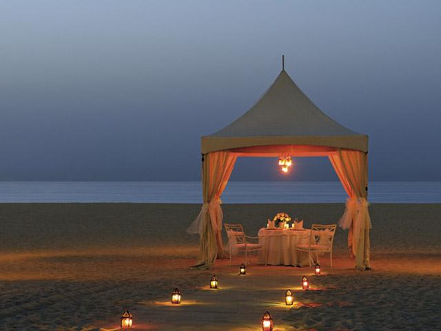 The Ritz Carlton Dubai - Romantic Lounge Area