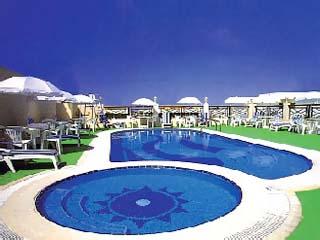 Hallmark HotelSwimming Pool