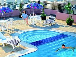 Golden Tulip Aeroplane HotelSwimming Pool