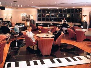 Hilton Corniche ResidenceBar