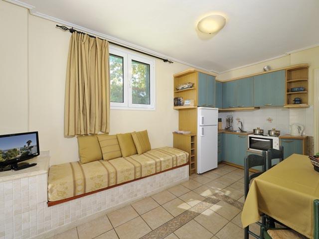 Paris Village Apartment Hotel:
