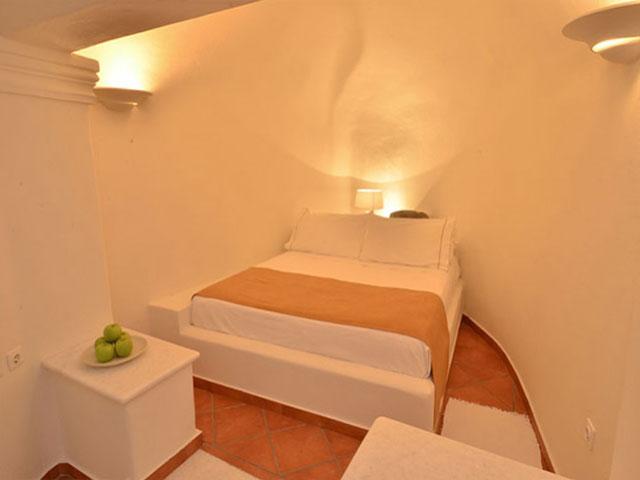 160 Thea Hotel Oia