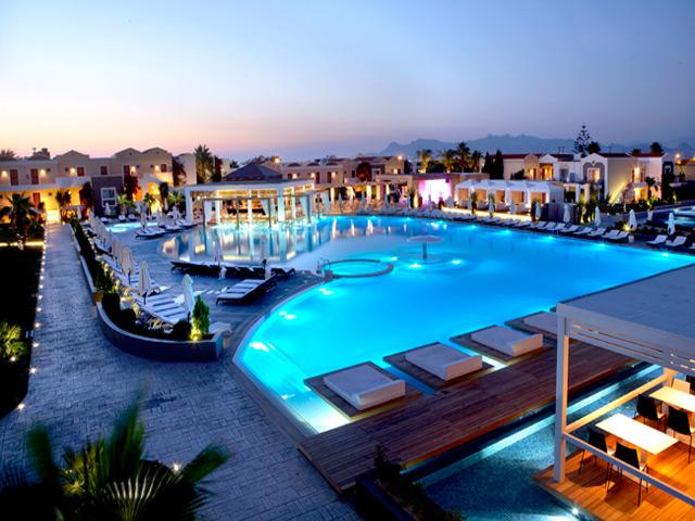 Pelagos Suites Hotel