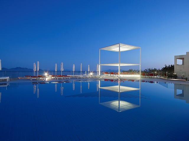 Dimitra Beach Resort: