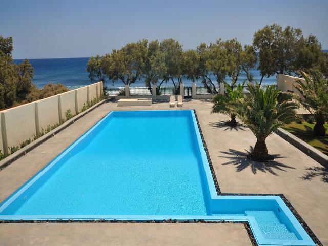 Santorini Beach Villa: