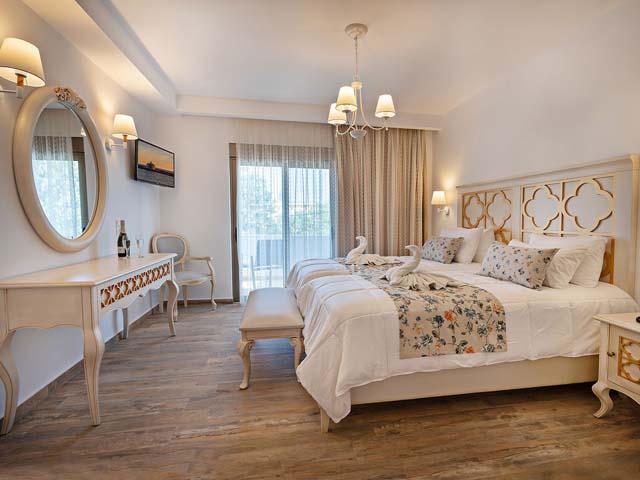 Delfina Art Hotel:
