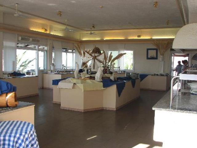 Retreat Beach Club: