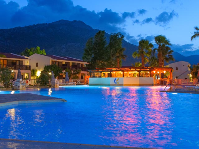 Golden Coast Hotel and Bungalows