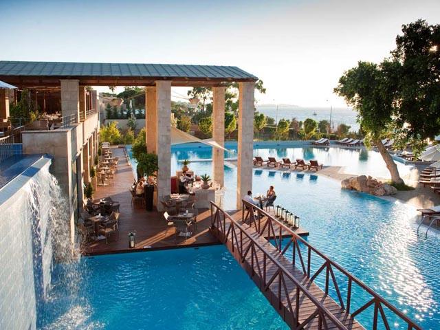 Amathus Beach Hotel: