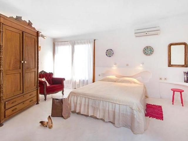 Art Deco Luxury Residence: