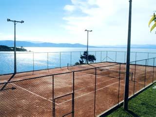 Ponta Dos Ganchos ResortTennis Court