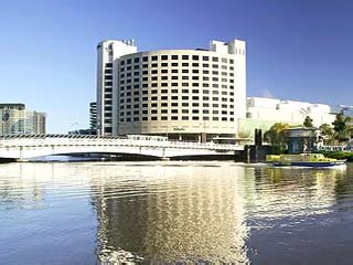 Crowne Plaza Hotel Melbourne (ex Holiday Inn Melbourne)Exterior View