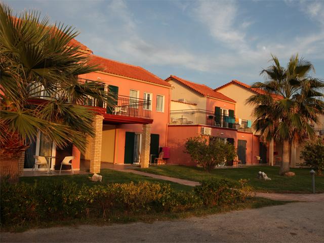 Almyros Beach Resort and SPA: