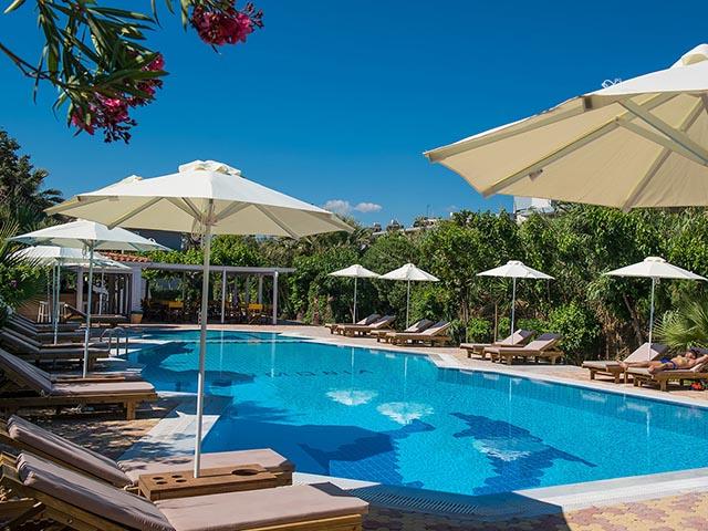 Enorme Armonia Beach Hotel