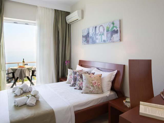 Aurora Beach Hotel: