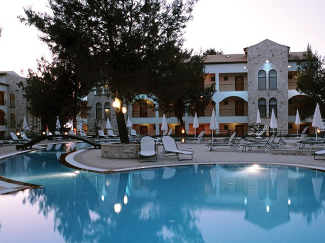 Lesse Hotel - Book Early for 2019 and save up to 40%!! LIMITED TIME !!