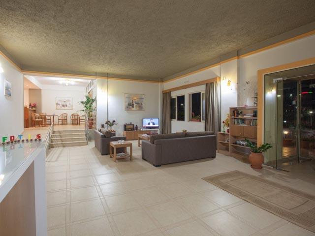 Fotis Studios Apartments: