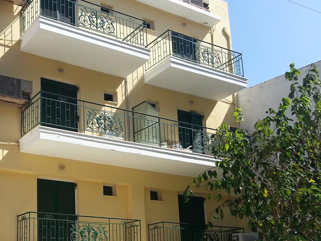 DiMare Hotel and Apartments: