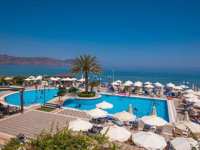 Hydramis Palace Hotel Beach Resort: