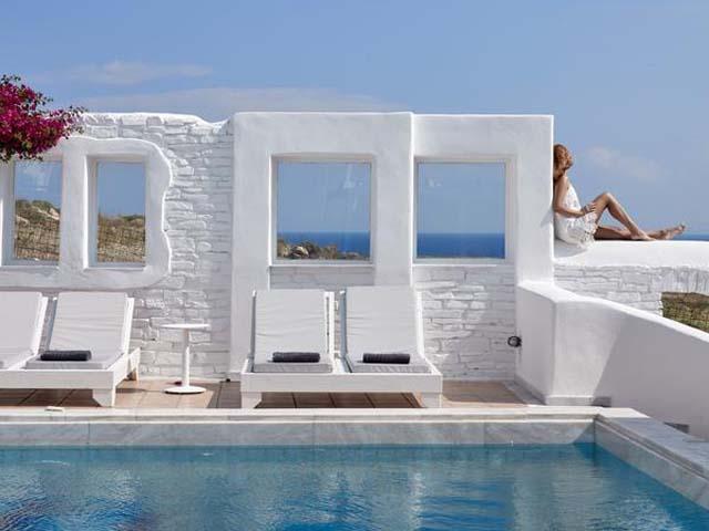 Mr and Mrs White Hotel