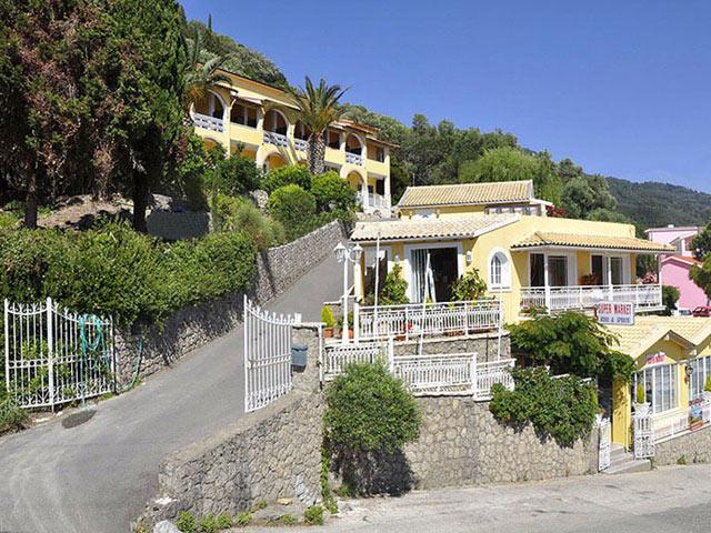 Mazis Hotel & Apartments