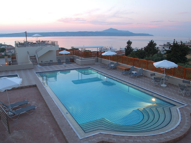 Sunrise Suites - Swimming Pool